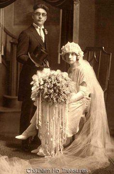6 Beautiful Wedding Dress Trends in 2020 Wedding Dress Trends, Wedding Attire, Wedding Bride, Wedding Gowns, Wedding Shot, Chic Vintage Brides, Vintage Bridal, Lace Weddings, Vintage Weddings