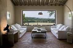 Villa Bordeaux, luxury 6 bed holiday villa with pool in #Umbria, Italy