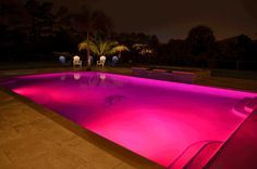 piscine nuit rose éclairage eau projecteur led pour eau