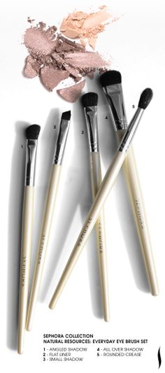 SEPHORA COLLECTION Everyday Eye Brush Set: Includes all the essentials for professional eye makeup application, plus  blush cleanser wipes for brush head maintenance.
