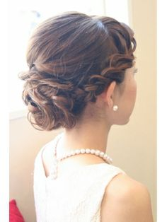 Pretty but possibly too much of a fad with the braid style Wedding Tiara Hairstyles, Romantic Hairstyles, Messy Hairstyles, Pretty Hairstyles, Hair Design For Wedding, Wedding Hair Up, Wedding Hair Inspiration, Wedding Hair And Makeup, Hair Makeup