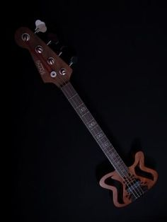 Sculpture Bass.