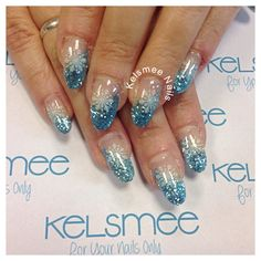 Winternails glitters And snowflakes