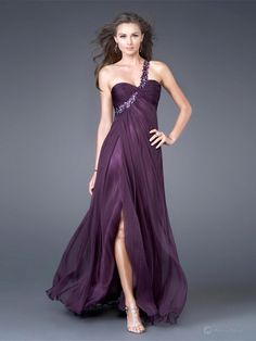 Shop for military ball gowns at Simply Dresses. Long formal evening dresses, floor-length formal dresses, military ball dresses, knee-length formal dresses and formal evening gowns for military balls. White Evening Gowns, Evening Dresses, Prom Dresses, Formal Dresses, Dress Prom, Dresses 2013, Long Dresses, Bridal Dresses, Party Dress
