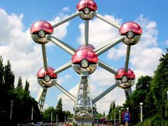 Let's hunt! Around the Atomium, at the Parc de Bruxelles or even in the metro... here´s everything you need to know to enjoy a Pokemon-Go adventure in Brussels!