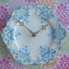 Recycled china plates make the prettiest clocks!