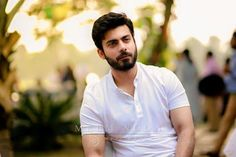One word: MARRY ME oh wait that's too but im not keeping count r you i just wanna keep you Most Handsome Men, Handsome Boys, Fawad Khan Beard, Beautiful Men Faces, Aamir Khan, Stylish Boys, Raining Men, Bollywood Actors, Dream Guy