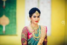 The brides these days be classy and fabulous! Absolutely adore each detailing of her bridal look!  Follow us for daily pinches of photo inspirations only at Photraits! PC:@anbujawahar #photoinspiration #photoideas #weddingphotography #weddinginspiration #weddingideas #wedding #instalike #instagram #love #l4l #bestoftheday #instafollow #likeforlike #tbt #instadaily #adorable #love #tweegram #smile #instagood #weddingmakeup #southindianbride #southindianwedding #photraits
