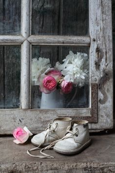 Shabby chic and romantic ispirations.