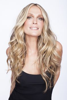Beachy waves: http://www.stylemepretty.com/living/2015/01/09/beachy-bombshell-hair-with-molly-sims-her-new-book/ | Photography: Gia Canali - http://giacanali.com/