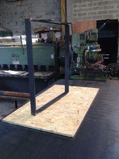 Je fabrique des pieds de table, console, banc en acier brut. Possibilité de création sur mesure, me consulter. Tarif pour 2 pieds 120 euros Plus de renseignements sur mon site - 15779461