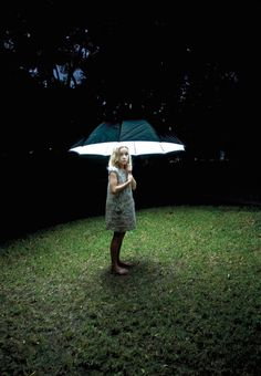 the light under the umbrella lights up the garden floor and the model Popular Photography, Night Photography, Creative Photography, Photography Tips, Portrait Photography, Photography Magazine, Photography Challenge, Umbrella Photography, Photography Studios