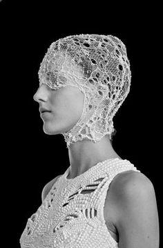 McQueen, I love the head piece