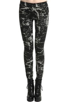 Black Injekt Leggings. Description Black leggings, featuring elastic waist, unique injekt print throughout, twin rear patch pockets, stretchy length and soft touch fabric. Fabric Cotton. Washing 40 degree machine wash, do not bleach, do not tumble dry, cool iron on reverse, do not dry clean. #Romwe
