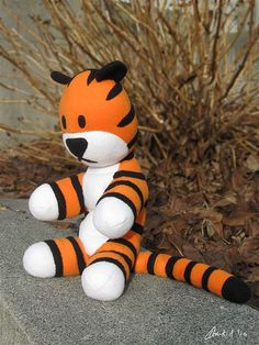 Hobbes tiger doll DIY pattern ..if I'm feeling really ambitious