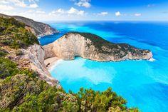 Entdecken Sie mit TRAVELBOOK die 10 schönsten Inseln in Europa – alle nur wenige Flugstunden von uns entfernt, alle von Urlaubern bewertet.