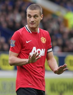 Manchester United captain Nemanja Vidic insists the Reds won't panic despite being five points behind rivals Manchester City in the Barclays Premier League title race. Manchester United Images, Official Manchester United Website, Manchester United Football, Manchester City, Barcelona E Real Madrid, Man Utd Squad, Eric Cantona, Man Utd News, Soccer Skills