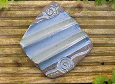 Effektive Seifenablagen mit luftiger Auflagefläche, damit die Seifen schnell wieder trocken und fest werden. Schön für eckige Seifenstücke.