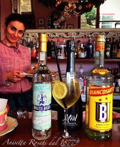 """CICCHI SPRITZ"" ""Cocktail Predinner"" Ingredients: - 1 cl. Anisetta Rosati; - 3 cl. BiancoSarti; - 4 cl. Bortolomiol Prosecco Superiore; - 1 Lemon slice and 1 star anise; Garnish: Ascolana Olive stuffed fried.  #CicchiSpritz #AnisettaRosati #AnisettaRosati1877 #RiservaLeoneXIII #AscoliPiceno #anisetta #anisette #anice #AnisettaRosatiRiservaLeoneXIII"