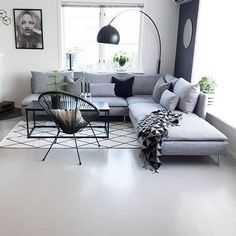 Scandinavian living room, living room decorations, small living room, modern living room Scandinavian style is trendy these years. The most striking element of Scandinavian minimalism is its color scheme - especially its simplicity. Use a pale Muebles Living, Ikea Living Room, Living Rooms, Design Salon, Scandinavian Living, Minimalist Home, Modern Minimalist Living Room, Home And Living, Modern Living