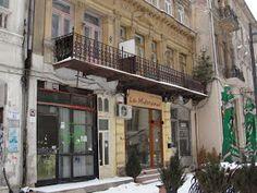 Turist în București: Strada Franceza - Centrul Vechi - Bucuresti Romania People, Multi Story Building, Street View, Beautiful, Bucharest