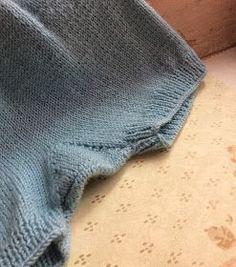 El blog de Blanqui: Cómo Tejer un Pantalón para Bebé con Dos Agujas
