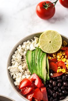 An easy, healthy veggie rice bowl packed with fresh veggies, brown rice, bl Easy Delicious Recipes, Vegan Dinner Recipes, Vegan Dinners, Raw Food Recipes, Vegetarian Recipes, Healthy Recipes, Healthy Meals For Two, Healthy Fruits, Healthy Snacks