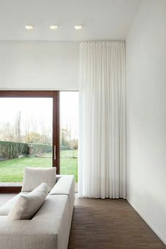 Sheer Drapes, High Curtains, Curtains Living, Floor To Ceiling Curtains, Modern Curtains, Hanging Curtains, Curtains With Blinds, Curtain Ideas For Living Room, Corner Window Curtains