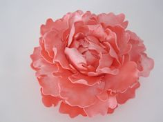 Little Birdie Secrets: gumpaste peony tutorial {guest post}