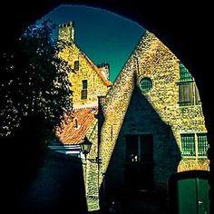 #photooftheday #city #cityscape #littletown #town #architecture #zutphen #netherlands #old #oldbuilding #oldtown #light #shadow #travel http://ift.tt/1mKqPba - http://ift.tt/1HQJd81