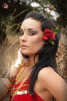 'Cleopatra Gypsy Belly Dancer - Catrina Boscutti' by Bumzigana Belly Dancer Halloween, Fete Halloween, Halloween Makeup, Bohemian Gypsy, Gypsy Style, Gypsy Makeup, Gypsy Eyes, Estilo Hippie Chic, Gypsy Costume