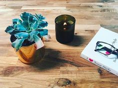 The cooler months call for burning candles and afternoons spent indoors with a good read! Shop candles & infusers now at @luxandeco,