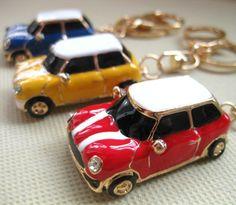 car shaped key chain,retro style hatchback car key ring,CUTE car keyring,lovely