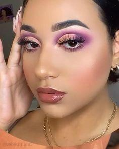 Eye Makeup Designs, Eye Makeup Art, Skin Makeup, Eyeshadow Makeup, Makeup Cosmetics, Creative Eye Makeup, Colorful Eye Makeup, Maquillage Yeux Cut Crease, Aesthetic Makeup