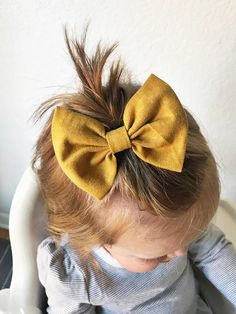 Find the sweetest baby bows, head wraps & hats at turbansfortots on Etsy Baby Girl Hairstyles, Diy Hairstyles, Infant Hairstyles, Baby Bows, Baby Headbands, Baby Yellow, Toddler Hair, Clips, Girls Hair Accessories