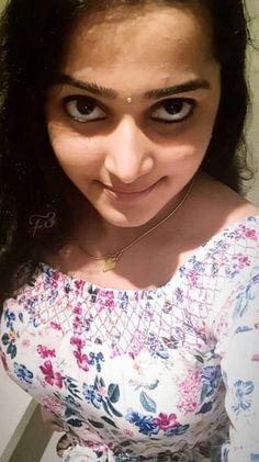West Mambalam Swastik Movers packers in Chennai Moving Packing and House Relocation Service Beautiful Girl In India, Beautiful Blonde Girl, Beautiful Girl Photo, Gorgeous Women, Cute Beauty, Beauty Full Girl, Beauty Women, Beautiful Bollywood Actress, Most Beautiful Indian Actress
