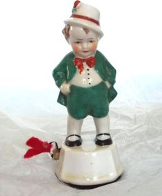 ANTIQUE-IRISH-BOY-TAPE-MEASURE-FIGURAL-porcelain-MADE-in-GERMANY