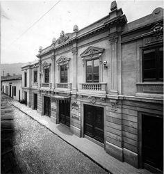 Teatro Bolivar Mansions, House Styles, Building, Travel, Angeles, Medellin Colombia, Antique Photos, Viajes, Theatres