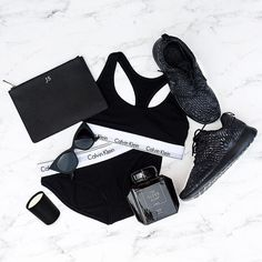 "Ahhhh who wants to win this Black Friday Pack from @stylerunner? Ahh we do... And those black diamond Nike Rosches . All you have to do is purchase any item from www.stylerunner.com this Friday to Sunday for your chance to win a luxe ""All Black Pack"" valued at over $600. Head over to @stylerunner for more info. // #Sporteluxe #stylerunner by sporteluxe"