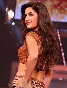 Katrina Kaif's next film with Saif Ali Khan not releasing on August 15! - http://www.bolegaindia.com/gossips/Katrina_Kaifs_next_film_with_Saif_Ali_Khan_not_releasing_on_August_15-gid-35578-gc-6.html