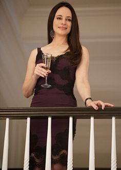 Madeleine Stowe as Victoria Grayson - Revenge Madeleine Stowe, Serie Revenge, Revenge Tv Show, Revenge Abc, Fashion Tv, Victoria Grayson, Revenge Fashion, Dressy Casual Outfits, Emily Vancamp