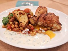 Pollo al horno con papas y garbanzos | recetas | FOX Life