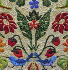Strawberry Thieves by Donna Viitanen, quilted by Anita Shackelford. William Morris design by Michele Hill. closeup photo by Quilt Inspiration