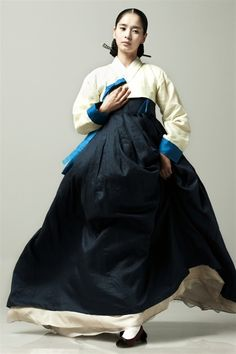 Hanbok, Korean Traditional Dress by marcopolo dj Korean Traditional Dress, Traditional Fashion, Traditional Dresses, Korean Dress, Korean Outfits, Korean Beauty, Asian Beauty, Burma, Modern Hanbok