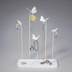 Butterfly-shaped jewelry rack