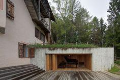 Haus Settari ist eine der Sommerfrische-Villen, die Anfang des 20. Jahrhunderts am Dreikirchner Berg entstanden. Es gehört zum Ensemble Briol, das heute weitgehend Gästen offen steht. Neben dem Haupthaus (von Hubert Lanzinger 1928 im Bauhausstil errichtet)