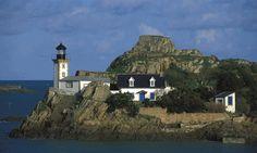 Manche - Phare de la Lande Carantec (Finistère) - Coordonnées 48°38′13″N / 3°53′07″O - Feux blanc à 1 éclat 5 s