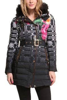 #Desigual #Mantel - Modell Amapola, schwarz. Mit schönem Farbverlauf, ethnischen und floralen Mustern.