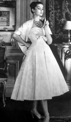 clover-vintage: 1956 La Femme Chic