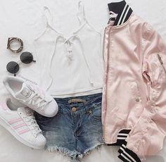 Imagen de fashion, clothes, and outfit Teenage Outfits, Teen Fashion Outfits, Cute Fashion, Outfits For Teens, Girl Outfits, 50 Fashion, Fashion Styles, Fashion Clothes, Paris Fashion